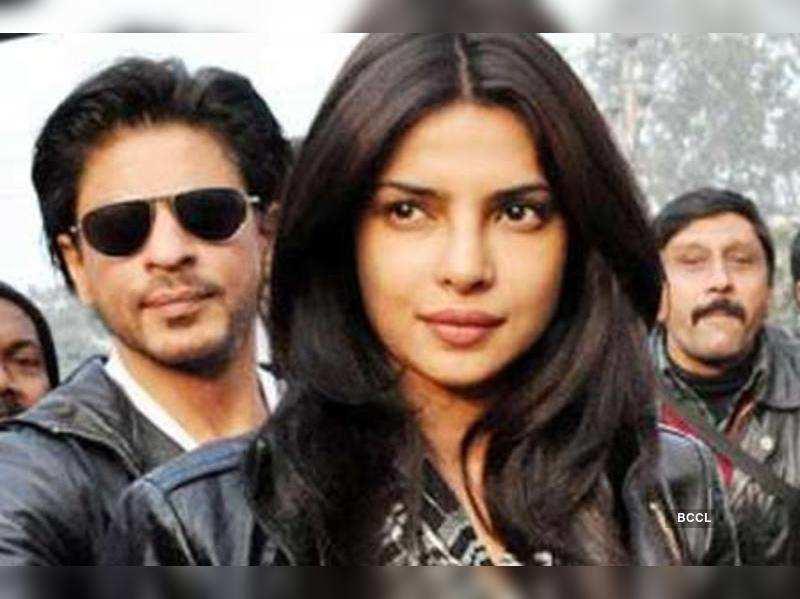 "Priyanka Chopra and Shah Rukh Khan <a href=""http://photogallery.indiatimes.com/portfoliolist/3879030.cms"" target=""_blank"">More Pics</a>"