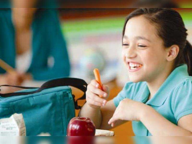 Eating fresh fruits and  vegetables instead of fast food can keep kids alert