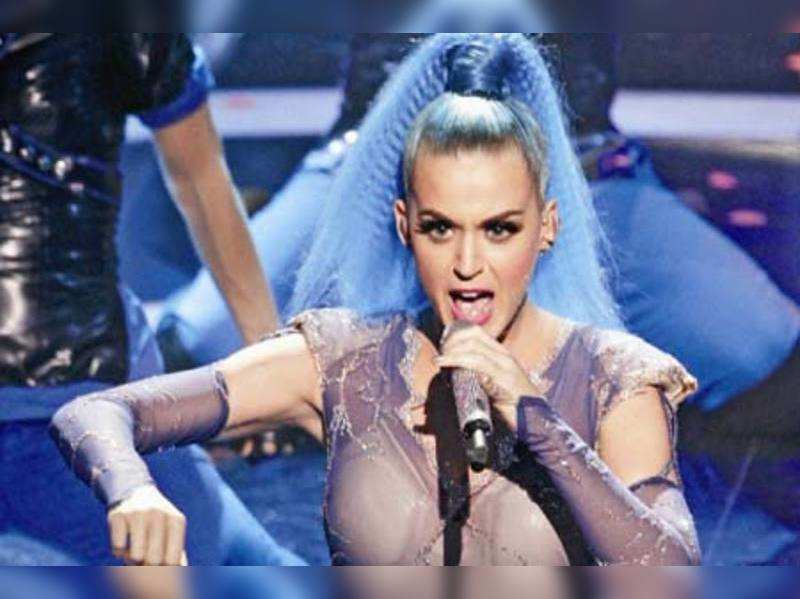 """Katy Perry <a href=""""http://photogallery.indiatimes.com/celebs/music/katy-perry/articleshow/6256332.cms"""" target=""""_blank"""">More Pics</a>"""