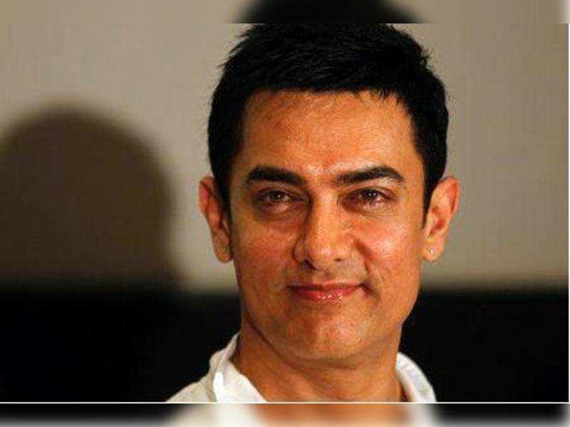 """Aamir Khan<a href=""""http://photogallery.indiatimes.com/celebs/indian-stars/aamir-khan/portfoliolist/3879094.cms"""" target=""""_blank"""">More Pics</a>"""