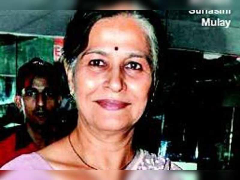 Suhasini Mulay in Bengali film