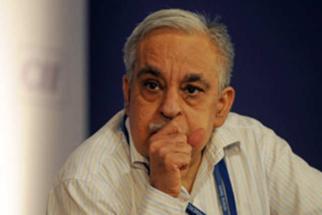 Commerce Secretary Rahul Khullar has been appointed as the new chairman of the Telecom Regulatory Authority of India (TRAI) for a three-year term.