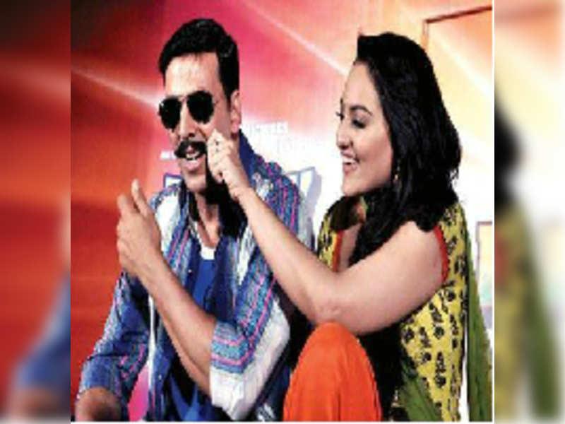 Akshay & Sonakshi promote Rowdy Rathore on CID