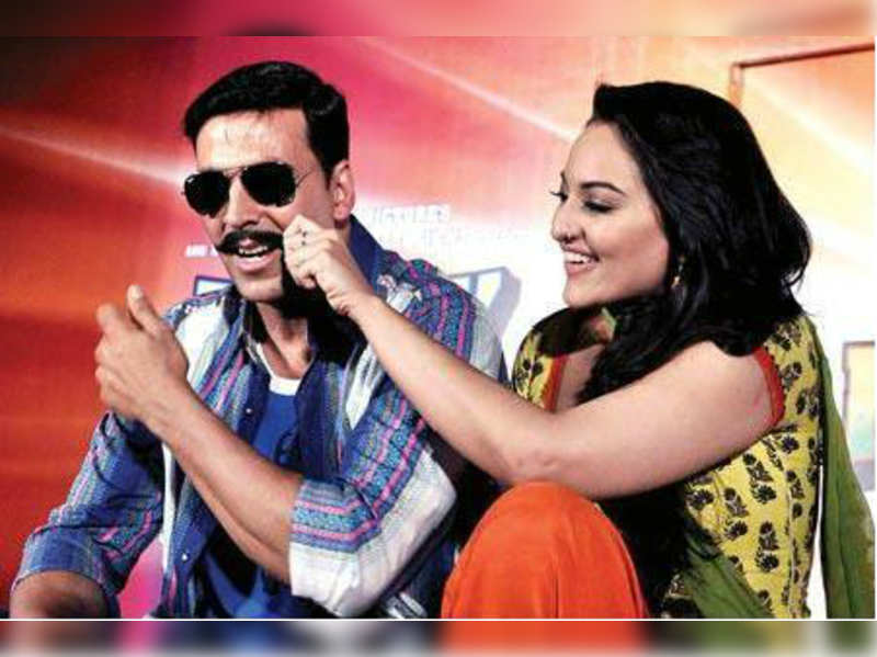 "Akshay Kumar and Sonakshi Sinha<a href=""//photogallery.indiatimes.com/events/mumbai/launch-first-look-of-rowdy-rathore/Launch-First-look-of-Rowdy-Rathore/articleshow/12514773.cms"" target=""_blank"">More Pics</a>"