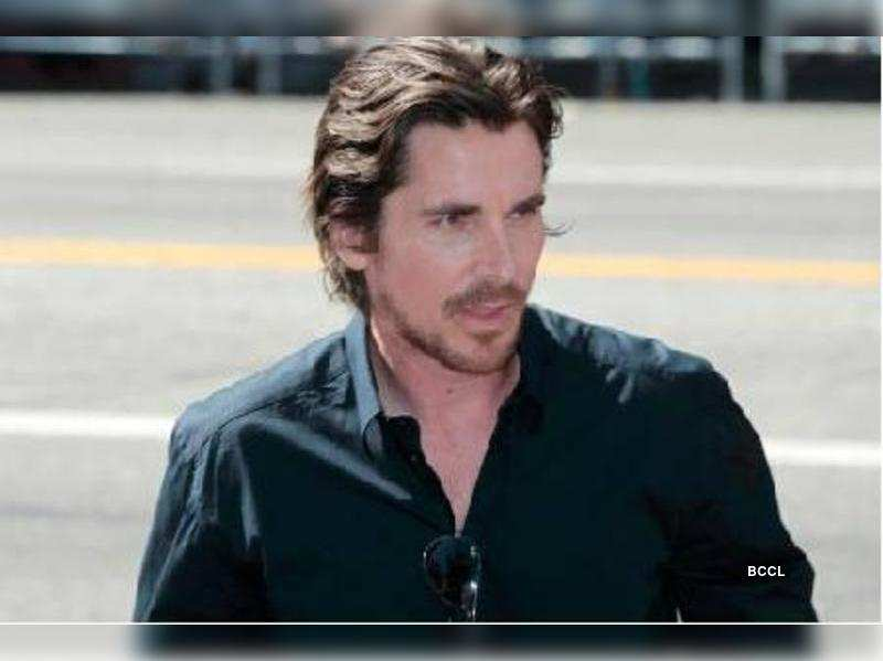 "Christian Bale<a href=""http://photogallery.indiatimes.com/celebs/international-stars/articlelist/2048929.cms"" target=""_blank"">More Pics</a>"
