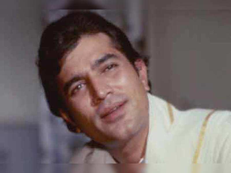 "Rajesh Khanna<a href=""http://photogallery.indiatimes.com/events/mumbai/celebs-pay-homage-to-kaka-/Celebs-pay-homage-to-Kaka/articleshow/15031959.cms"" target=""_blank"">More Pics</a>"
