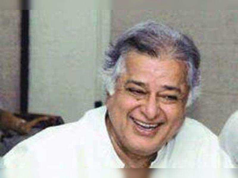 Shashi Kapoor undergoes catract surgery