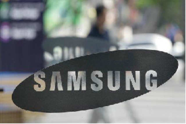 Samsung has restructured its electronics and appliances business to create two sales verticals in a bid to replicate its mobile phone success in the Indian consumer durables market.