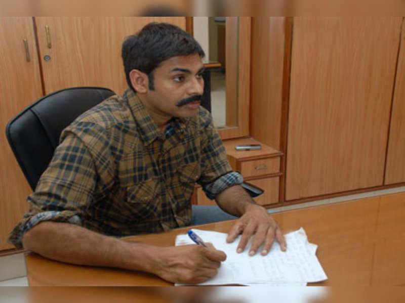 Pawan Kalyan aids shooter Rekha