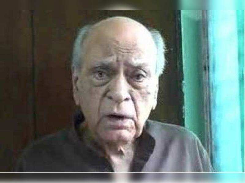 """A K Hangal<a href=""""http://photogallery.indiatimes.com/celebs/indian-stars/ak-hangal-passes-away/articleshow/15736369.cms"""" target=""""_blank"""">More Pics</a>"""