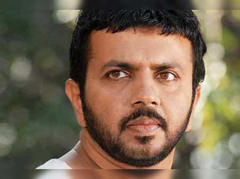Censor Board has humiliated me again: Prakash Bare