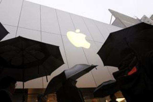 Apple, the maker of iPhones and iPads, is evaluating the possibility of setting up its own stores in India, if the Indian government eases local sourcing conditions.