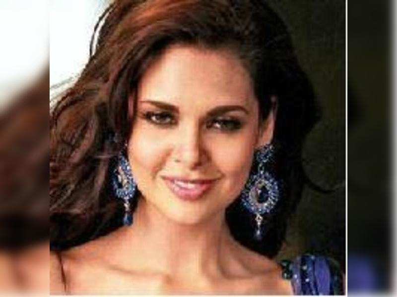 Esha Gupta wanted cameo credit in Chakravyuh