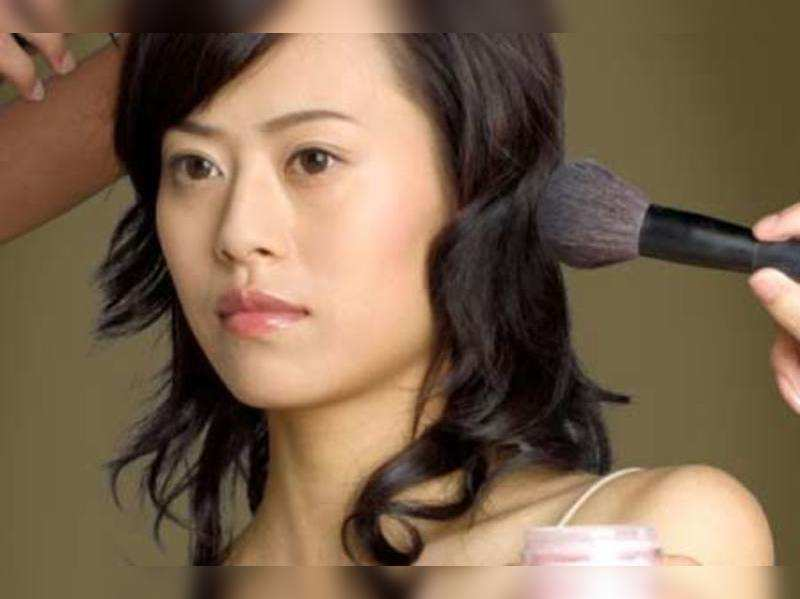 10 cosmetics that can harm your skin