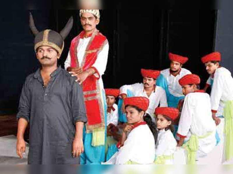 Shivaji Underground... completes 100 shows