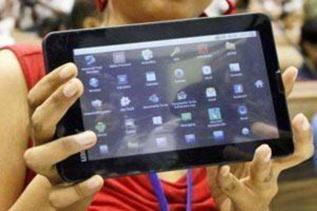 India's push to digitally empower millions of its poor students with lowcost , government-subsidized , internet-enabled tablets won UN endorsement on Wednesday despite raging controversy and misgivings on the provenance and pricing of the device.