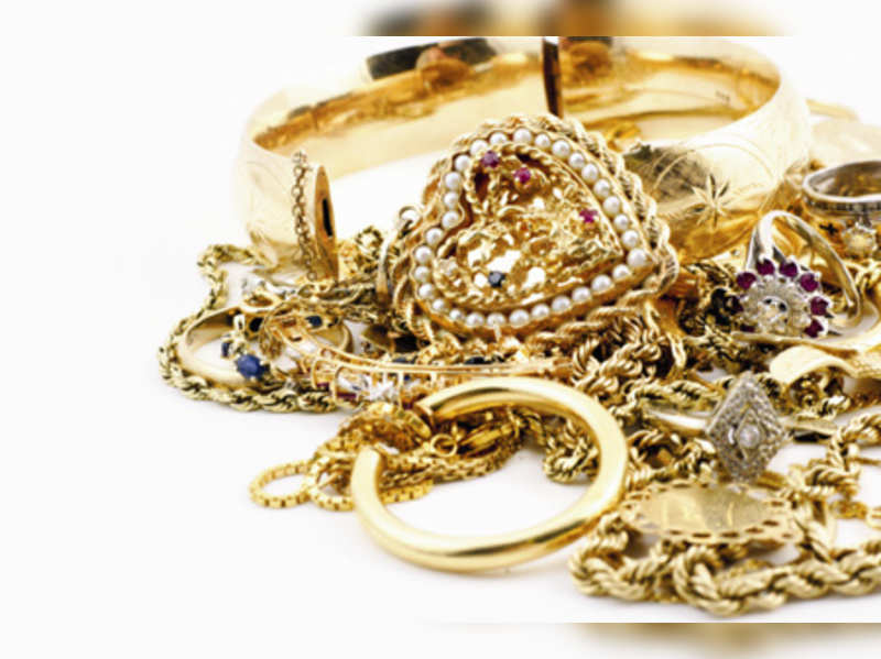 Cleaning your gold jewellery at home