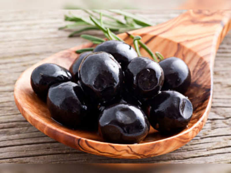 7 reasons you MUST eat olives