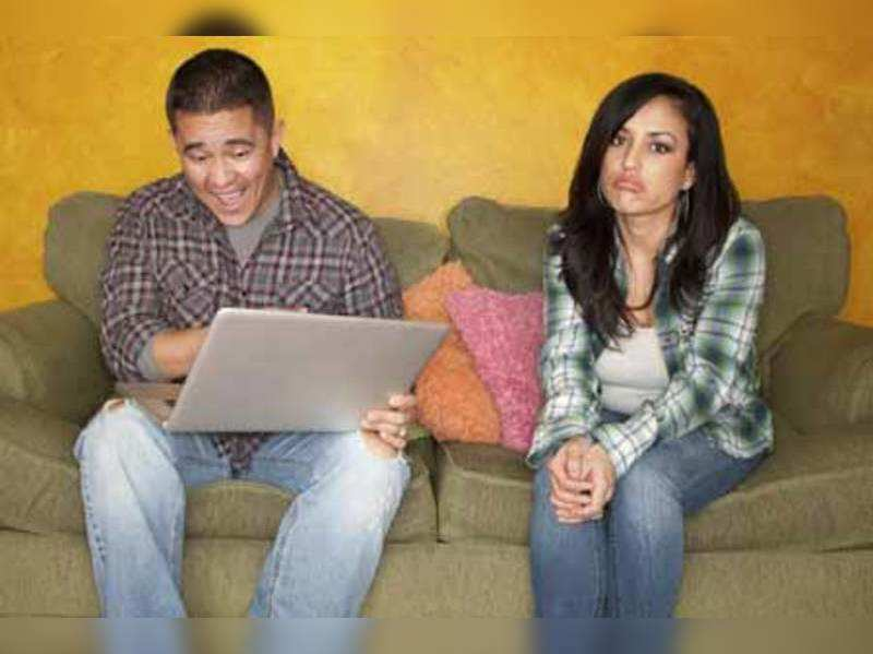 Is technology killing your relationship? (Thinkstock photos/Getty Images)