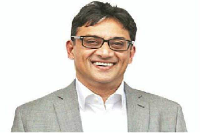 Bharti Airtel's brand director Bharat Bambawale has quit.