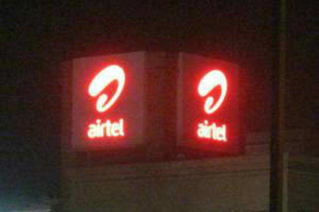 SC has allowed Airtel to continue offering 3G services, and said it would decide whether Sunil Mittal should be accused in 2G allocation case.