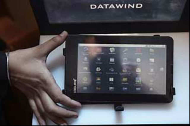 DataWind will supply 10,000 Aakash low-cost computing access devices to IIT-Bombay.