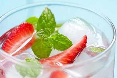 15 ways to naturally flavour water