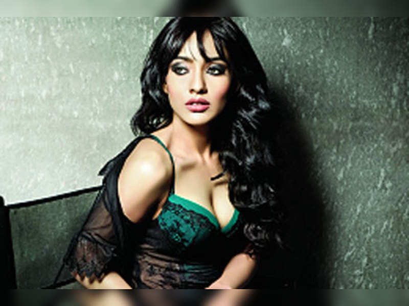 Acting and looks don't help, only box office does: Neha Sharma