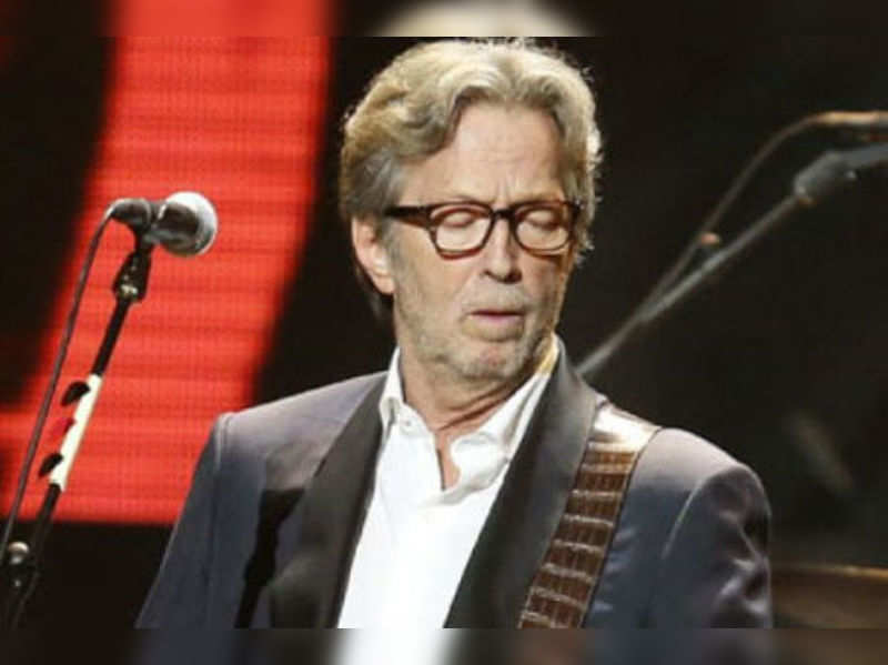 "Eric Clapton <a href=""http://photogallery.indiatimes.com/events/mumbai/celebs-at-eric-clapton-show/articleshow/4795298.cms"">More Pics</a>"