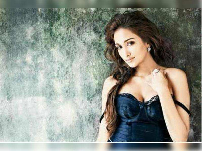 Bollywood actor Jiah Khan commits suicide