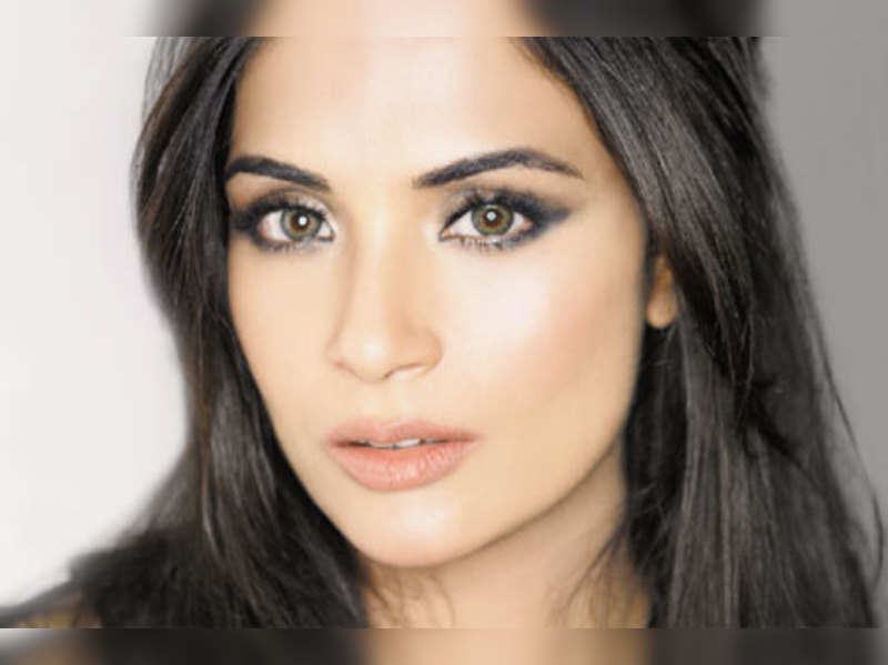 Dating an actor is even worse, says Richa Chadda