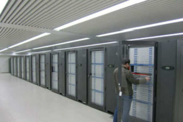 China's Tianhe-2 supercomputer, aka Milkyway-2, recently measured at speeds of nearly 31 petaflops surpassing the current record holder by 74 percent, Ars Technica.