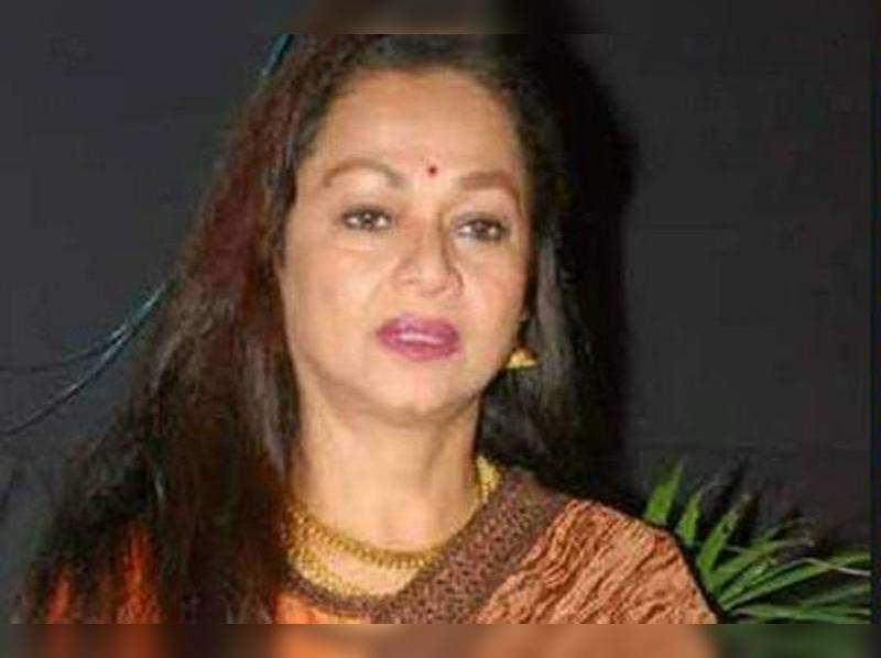 Suraj is not a criminal, he's being victimised: Zarina Wahab