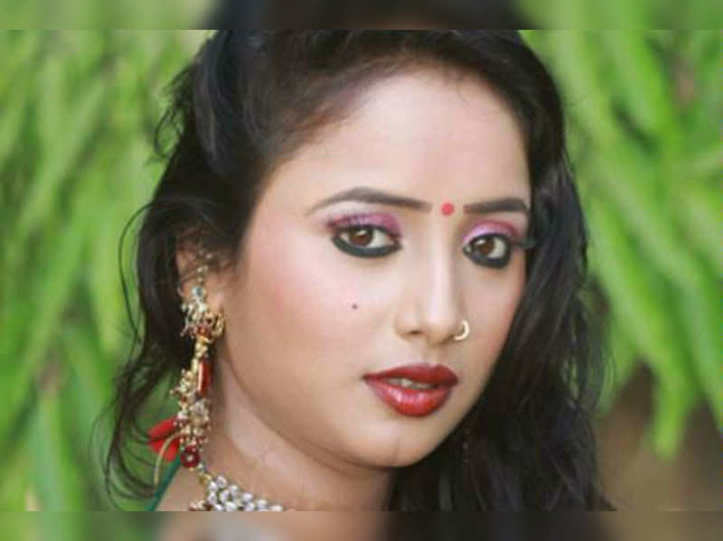 """Rani Chatterjee <a href="""" http://photogallery.indiatimes.com/parties/mumbai/rani-chatterjee-sisters-wedding/Rani-Chatterjee/articleshow/10702427.cms"""" target=""""_blank"""">More Pics</a>"""