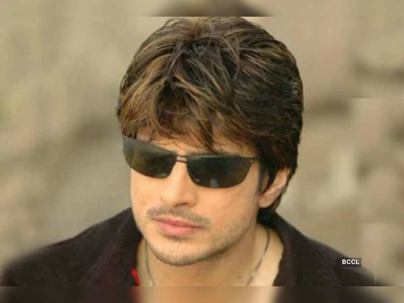 """Rahil Azam<a href=""""http://photogallery.indiatimes.com/tv/shows/saraswatichandra-on-star-plus-and-dd/Saraswatichandra-on-Star-Plus-and-DD/articleshow/18706311.cms"""" target=""""_blank"""">More Pics</a>"""
