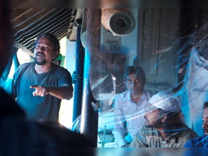 I don't want to nurture any controversy: Santosh Sivan