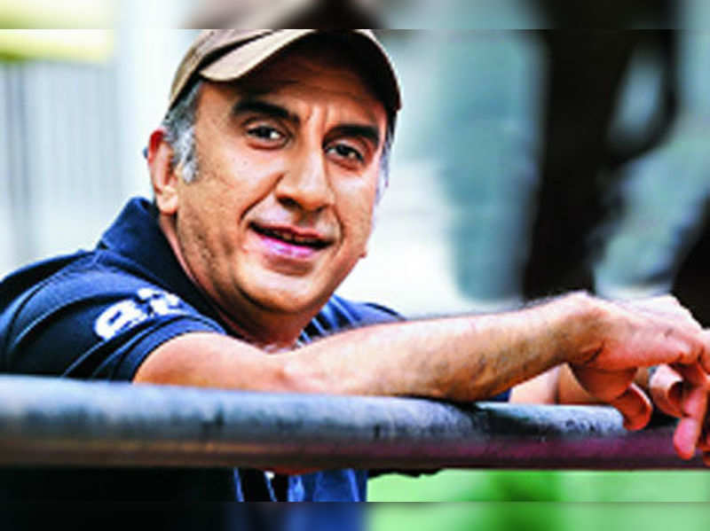 """Milan Luthria <a href=""""http://photogallery.indiatimes.com/movies/bollywood/once-upon-a-time-in-mumbaai-dobara/articleshow/21191417.cms""""target=""""_blank"""">More Pics</a>"""