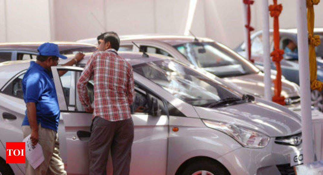 India Faces A Rocky Road To Embracing Electric Vehicles