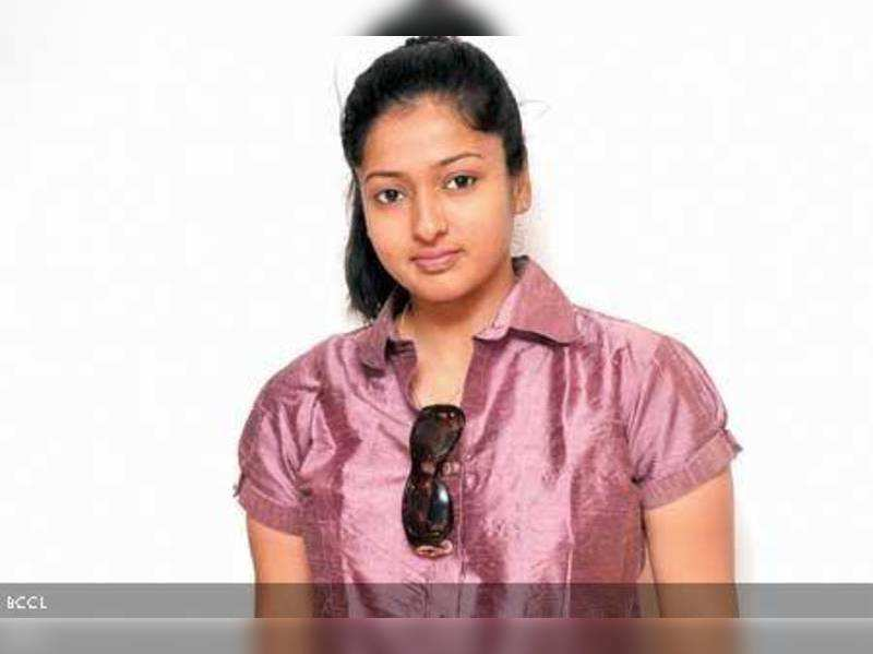 After a decade, Gayathri returns to the big screen
