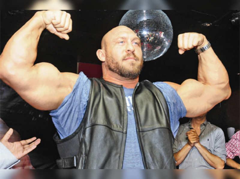 WWE star flexes muscles in Gurgaon