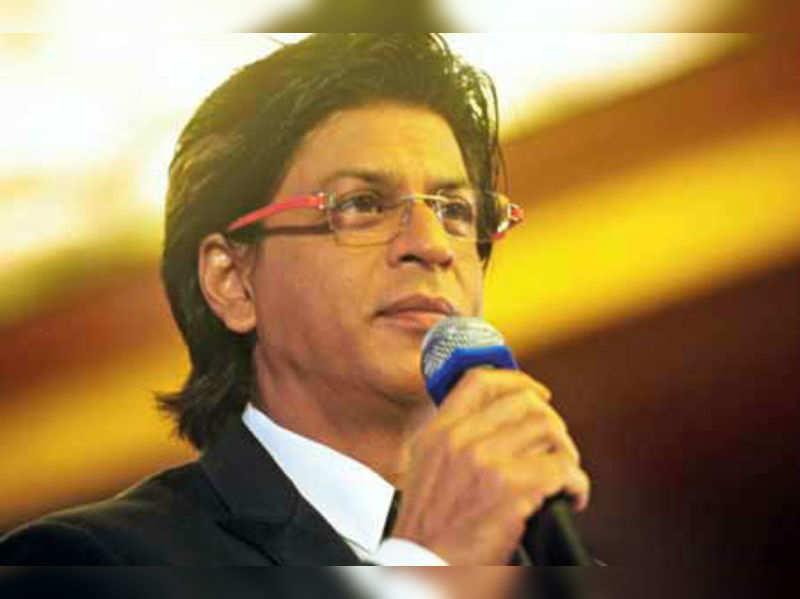 "Shah Rukh Khan<a href="" http://timesofindia.indiatimes.com/entertainment/bollywood/news-interviews/When-Madhuri-Chitrangada-got-divorced/articleshow/23003659.cms?"">More Pics</a>"