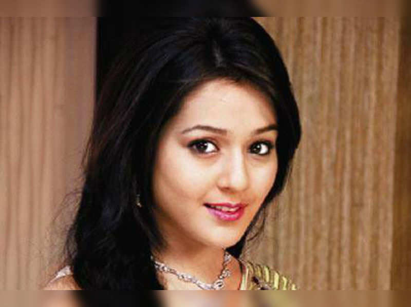 """Priyal Gor<a href=""""http://photogallery.indiatimes.com/tv/shows/yeh-hai-aashiqui-show-launch/articleshow/22204797.cms"""" target=""""_blank"""">More Pics</a>"""