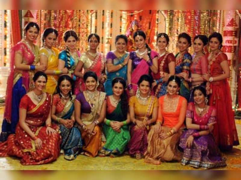 18 Marathi actresses together portray women power