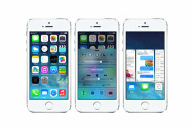 Apple's iPhone 5S is outselling any other iPhone model by a huge margin, including its cheaper cousin iPhone 5C.