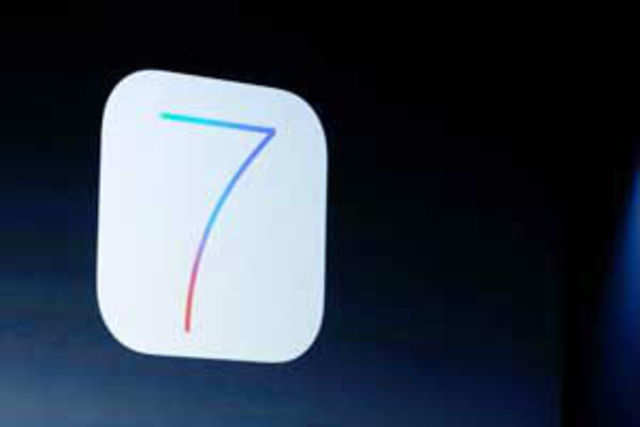 A California resident has filed a complaint against Cook, demanding that the company remove the iOS 7 install file.