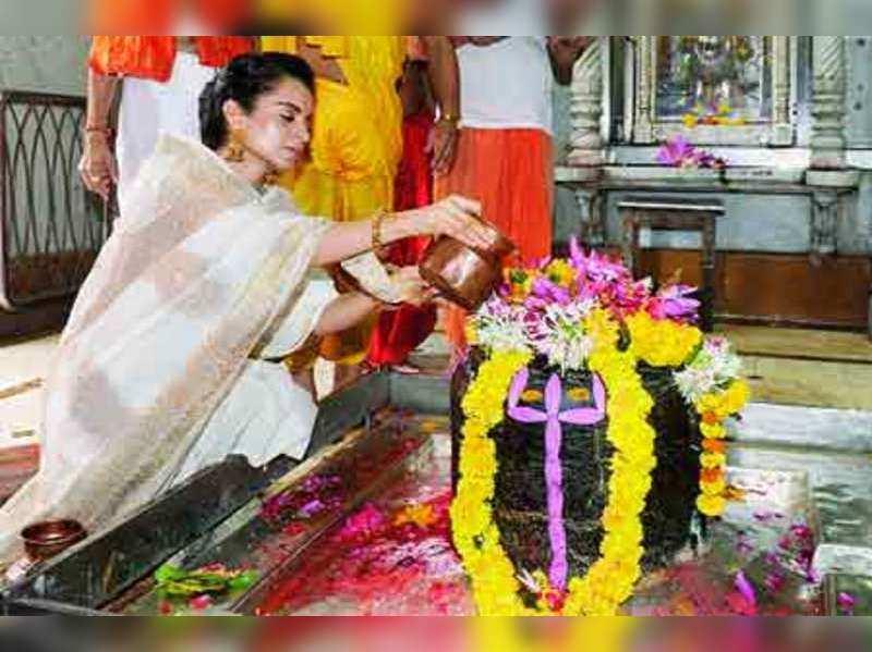 The must-visit Babulnath temple in Mumbai