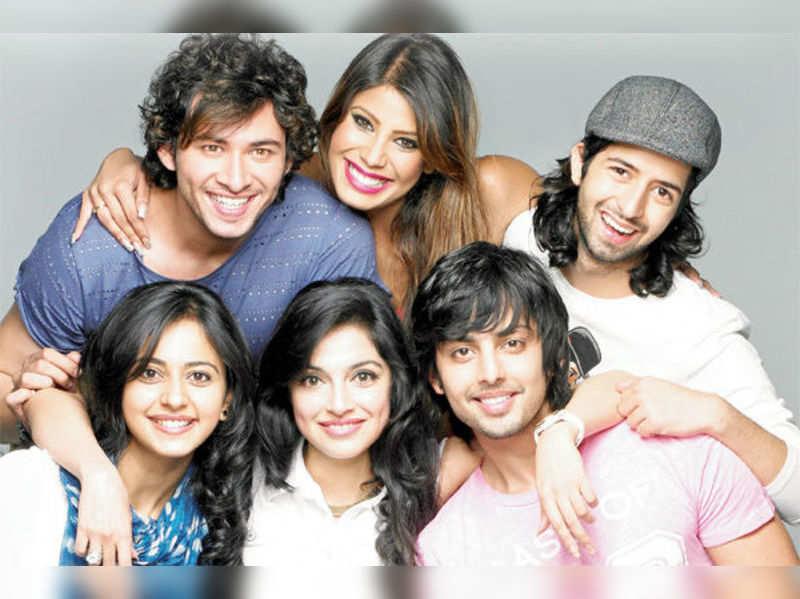 Devanshu Sharma, Nicole Faria, Shreyas Porus Pardiwalla, Himansh Kohli, Divya Khosla Kumar and Rakul Preet Singh