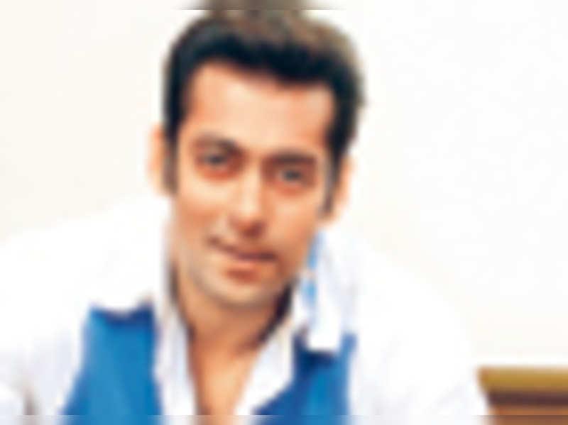 Salman Khan is sketching!