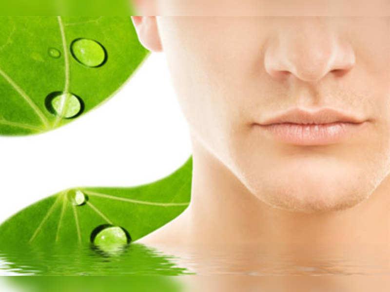 Home remedies to lighten dark lips
