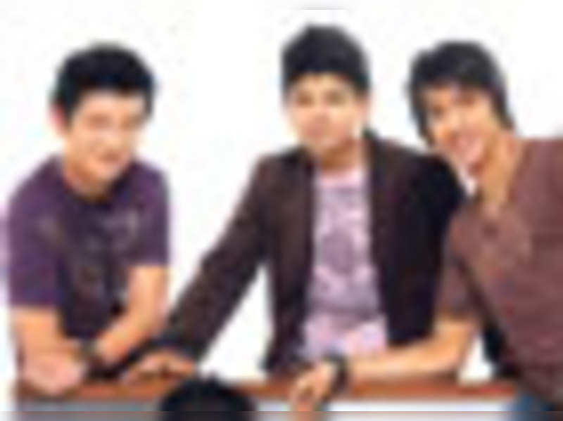 'Indian Idol' contestants form a band